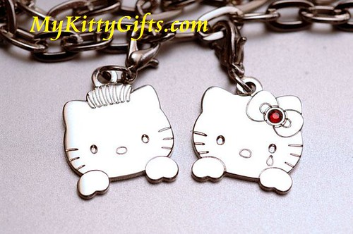Hello Kitty Gifts, Hello Kitty Special Edition Black Wonder Bracelet Close-up
