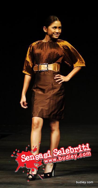 Gambar Mila Elaine Irma Hasmie Model Fesyen Nik Erwan