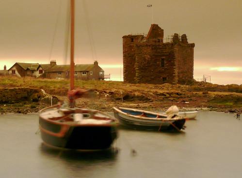 Portencross harbour boats and castle 23Feb09