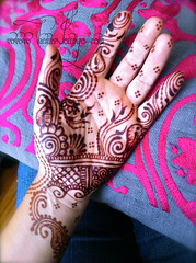 Gulfy henna inspired by Ash Kumar and Deepika Chauhan (HennaLounge) Tags: wedding india bride hands gulf indian bridal henna mehendi mehndi khalijee ashkumar