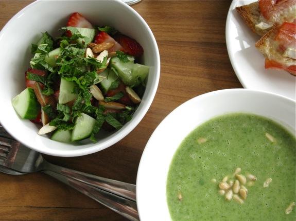 arugula soup spring salad 001