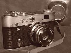 ajándék, mellyel meglepem / the Soviet Leica (.e.e.e.) Tags: camera hungary rangefinder soviet russian fed rf cccp fed3