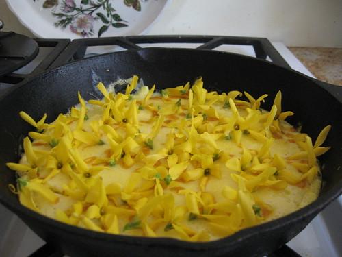 Forsythia Sprinkled Omelette