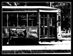 tramincontrasto (•:• panti •:•) Tags: bw milano tram bn porta porte luce biancoenero contrasto marciapiede balckwhite entrata diciannove