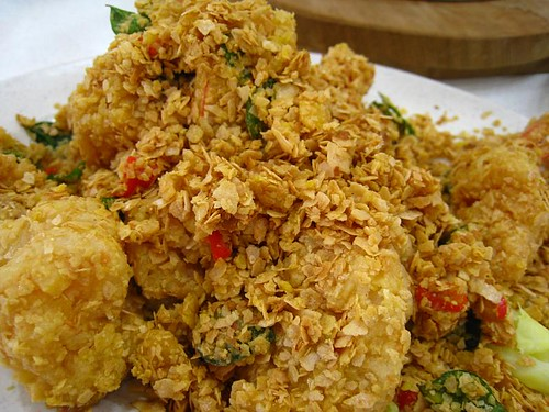 Deep-Fried Prawns with Cereal & Salted Egg