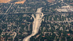 405 Freeway, looking north. (Eleventh Earl) Tags: california travel cars los angeles flight may ground aerial 405 views freeway 2008 rushing northsouth