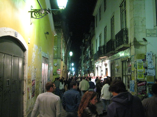 Crowds in Baixa