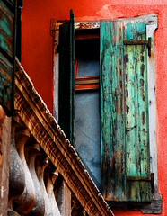 Warm Color  Palatte (our cultural archive) Tags: pink flowers venice windows red italy green beauty italia oneofakind balcony may arches simplicity aged relaxed venezia oldcity streetscenes cate streetscapes wallscapes creativecapture everydaywonders oarsquare