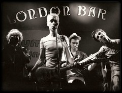 LONDON BAR (Assun) Tags: london bar bcn musical grup
