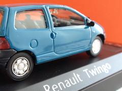 1:43 Twingo diecast model #1