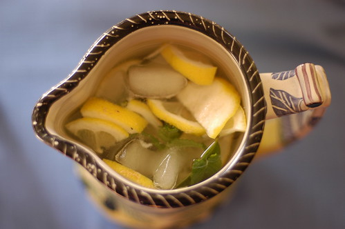 mint and lemon water