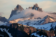 Chimney Rocks and Overcoat Peak (Gil Aegerter) Tags: wonderful nikon hiking 300mm pacificnorthwest nikkor d300 alpinelakeswilderness fosslakes aegerter wonderfulphotos nikkor300mmf45ais mountainsnaps gilaegerter
