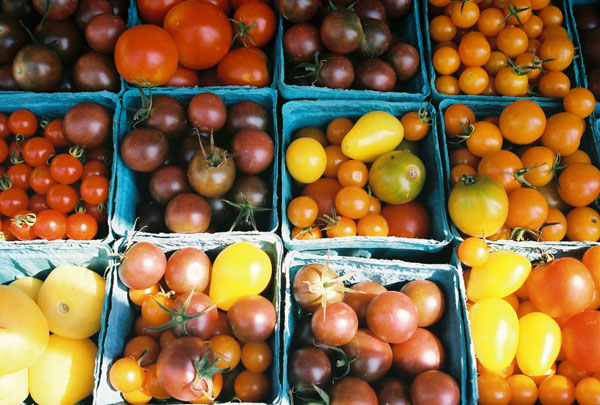 market: cherry tomatoes
