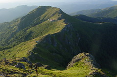 Eho Hut and St.Trinity Chapel (proxima2) Tags: mountains peak hut bulgaria eho balkan proxima2 yumruka