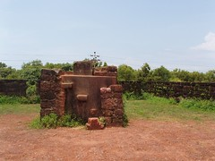 Fort Aguada 34 (bobebear) Tags: sea india by port coast trading when western ft they arabian built aguada ruled portugese