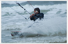 kitesurfing (Janek Kloss) Tags: ocean ireland beach strand island foto view shot image photos hans tourist an irland eire fotka atlantic aisle end mayo fotografia 2008 achill attraction zdjecia irlanda kitesurfer kloss ierland janek j23 zdjecie fotki irlandia seson cuan   hwdp kiteserfing lirlande fotosy  trawmore  moli516