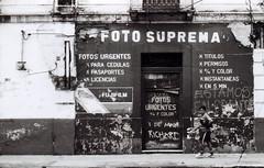 (Rai 幻の光) Tags: camera white black building art abandoned film 35mm canon photo store foto guatemala rangefinder 100 canonet ql17 giii chs centralamerica centroamerica guatemalacity suprema adox ciudaddeguatemala