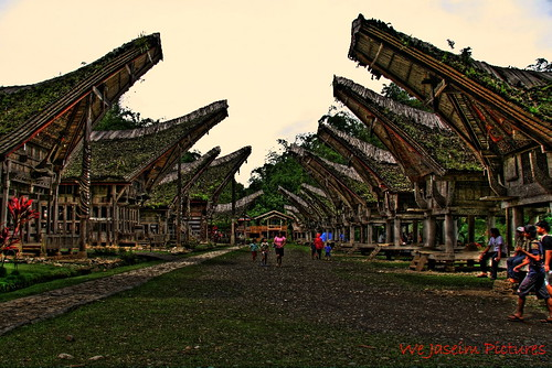 Rumah Adat Suku Toraja-HDR.....Part 1 by we jaseim.