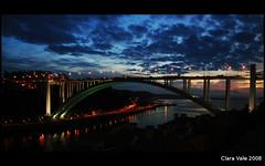 Quando o sol beija o mar... (Cainha) Tags: sunset pordosol portugal rio clouds mar porto arrbida douro nuvens gaia afurada artlibre ilustrarportugal