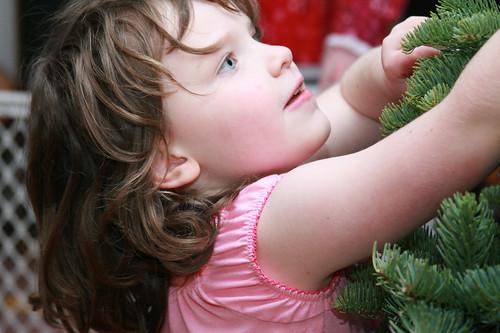 christmas_tree_decorating