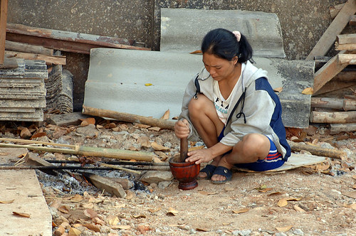 Surin worker prepares breakfast on building site