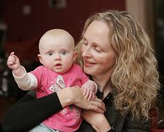 Anna (4 months) and Mum