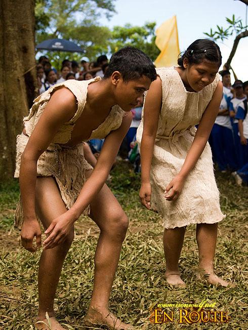 "Kaaldawan Iraya mangyan ""Drama of life"" Dance"