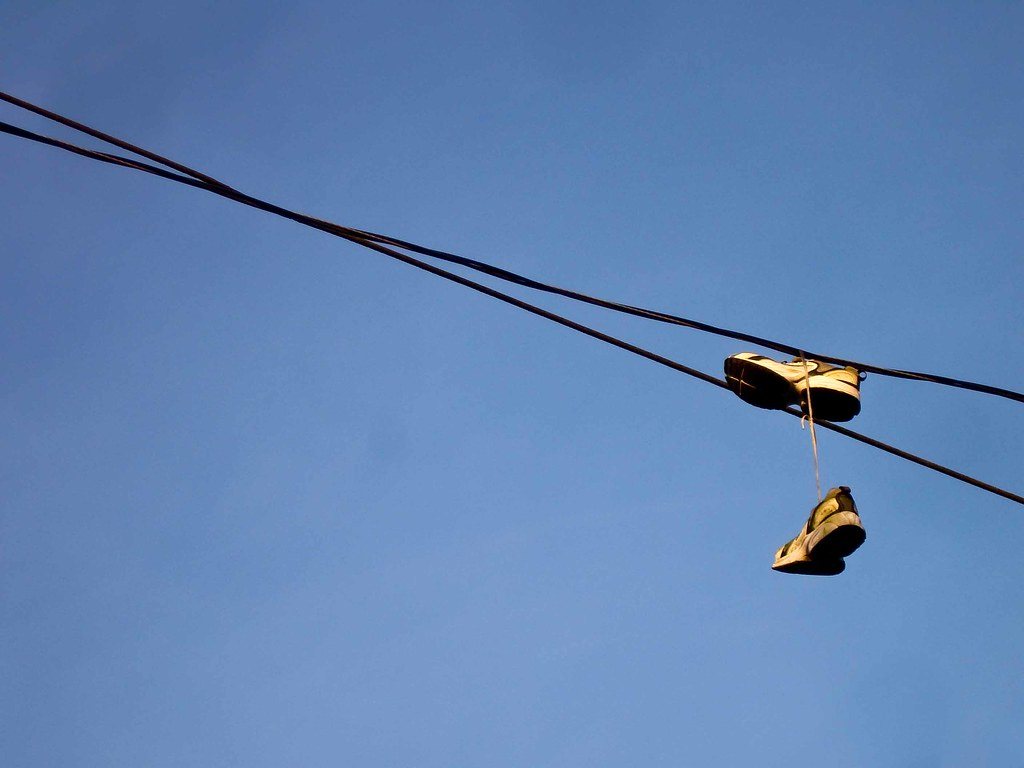 The World\'s newest photos of shoefiti and wire - Flickr Hive Mind