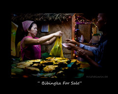 bibingka for sale (Kris Carlos) Tags: blue light red people green forsale altar simbahan simba bata tala parol 2008 tao ilaw bintana simbanggabi pari bibingka christmaslight pasko buwan kandila putobungbong kampana simbanggabi2008 disyembredecember mgaparol