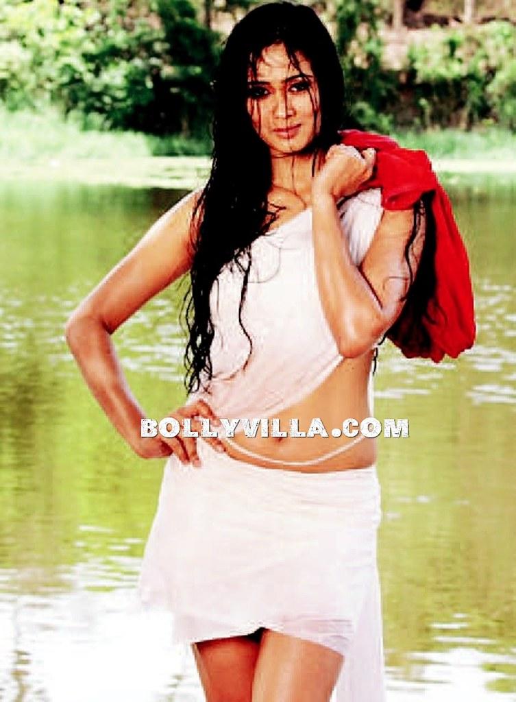 Shweta Tiwari Wet & Hot