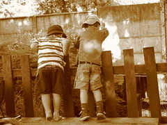Sueo de infancia (Pancho) Tags: sepia nios amistad pescadores