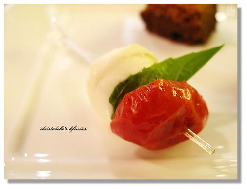 curtis stone's insalata caprese