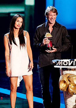 Michael Bay y Megan Fox Mtv movie 2008