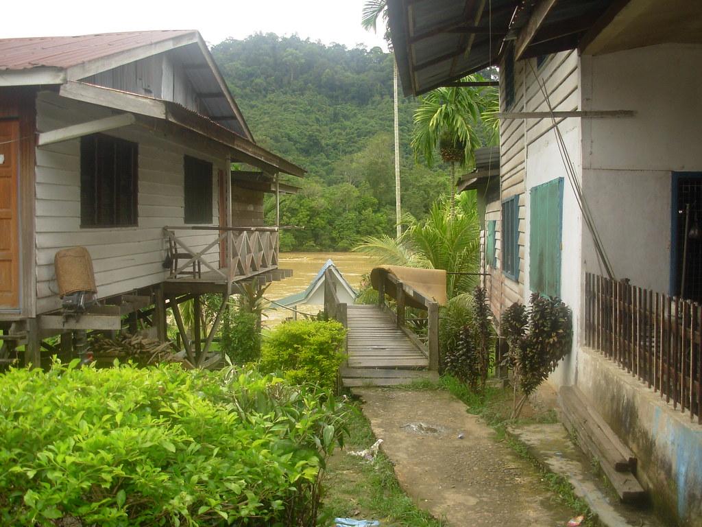 Sarawak-Belaga-LHouses (221)