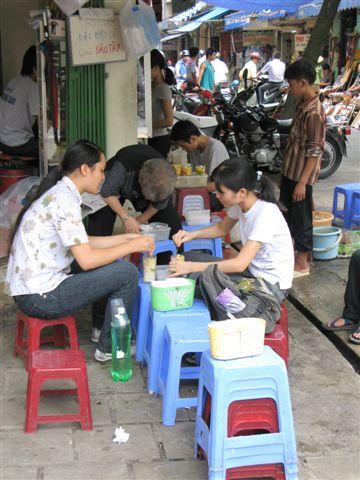 Vietnamese food stalls (1)