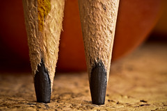 (carlos.guerrera) Tags: wood red macro texture yellow pencil canon iso100 cork f10 double 100mm write lpis lead graphite xsi grafite guerrera canonef100mmf28usm carlosguerrera 32sec fiveflickrfavs thebestofday gnneniyisi rebelxsi