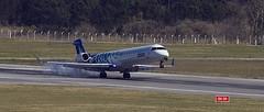 Nuevo logo, nuevo avion.... nuevas rutas...... (manilo) Tags: airplane airport landing carrasco aeropuerto avion aterrizaje pluna