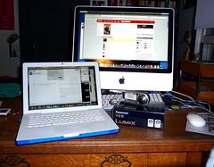 Old Camera (ex_magician) Tags: pictures apple oregon lumix photo interesting imac photos desk laptop sony picture images panasonic newcamera lastfm dsc dscp200 speck moik klamathfalls macbook hardcase 97601 20inchimac aluminumimac tz5 dmctz5 speckseethruhardcase dsctz5