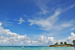 Temps de rve (jendayee) Tags: blue sea fab sky beautiful clouds island antigua caribbean mywinners abigfave worldwidelandscape absolutelystunningscapes nuagescieltempsweather