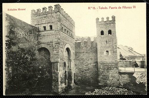 Puerta vieja de Bisagra o de Alfonso VI (Toledo) tras su restauración. Principios del siglo XX. Menor, 1910