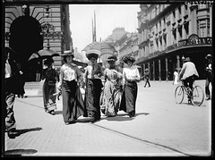 [Pedestrians on George St], ca. 1900, from Frederick Danvers Power : photonegatives, 1898-1926 / Frederick Danvers Power