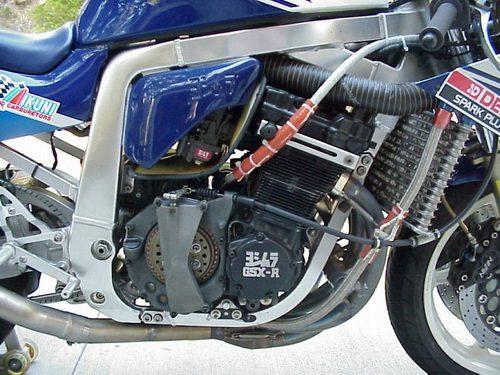 Suzuki GSX-R Slingshot 750 (88-91) et 1100 (89-92) - Page 2 3040901431_8c4dbbde96_o