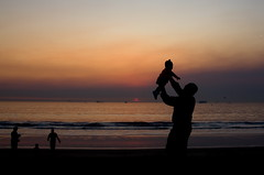 daddy and ashlynn (Daryl's World TTL) Tags: ocean sunset surf elsegundobeach smokeysunset sylmarfire