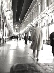 | Galerie de la Reine | bruxelles (Photomatt.) Tags: brussels de la europe belgium belgique royal bruxelles galerie capitale soir reine nuit sauvette