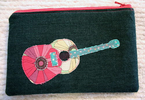 Guitar pouch