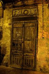 barber shop (mypixbox) Tags: door old italy night wooden closed salone porta sicily piazza palermo notte sicilia legno barbiere img4431 bologni regionalgeographicsicilia saladabarba