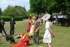 Camp Tomato 2009-58 (Eli Juicy Jones) Tags: seattle park summer people jasonwebley 2009 wallingford lunge camptomato juicyjones meridianpark tomatoscouts lx3 slightlynorth