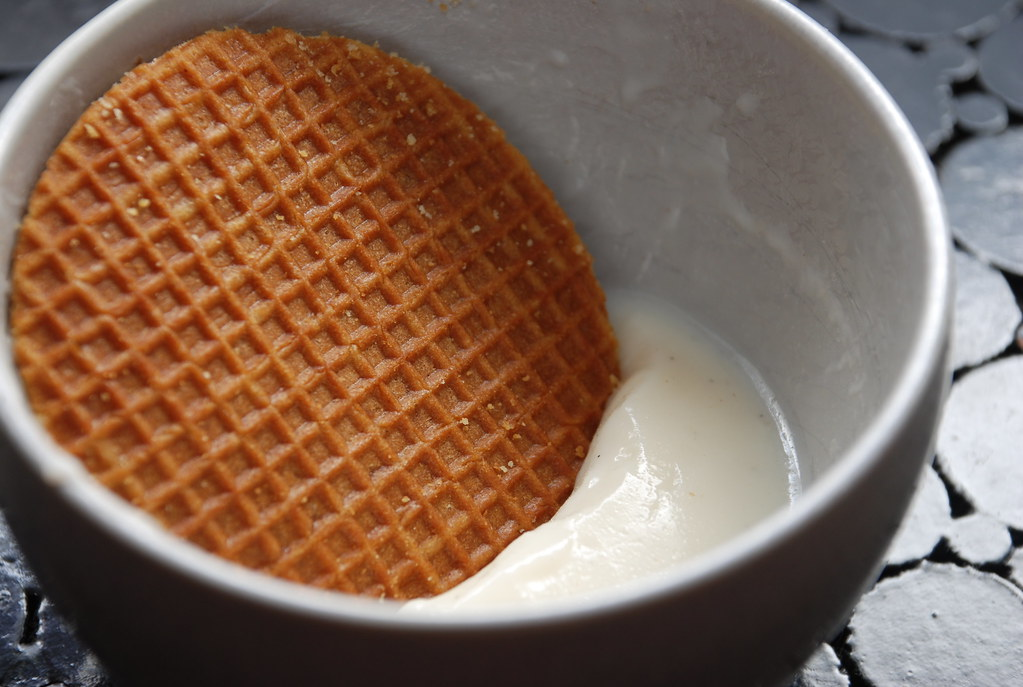 stroopwafel and vanilla pudding