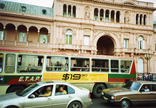 Traffic at la Casa Rosada