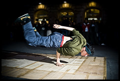 Gravity Set Me Free (//Andrea//) Tags: rome color flash gravity breakdance freddy peopleinrome strobist gravitysetmefree
